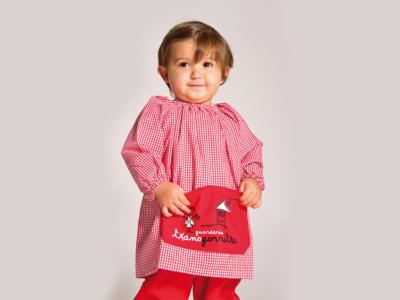 Txanogorritxu haur-eskolako haur uniformea